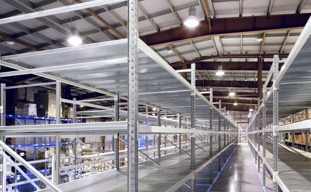 Lilluminazione come sicurezza nei magazzini logistica efficiente