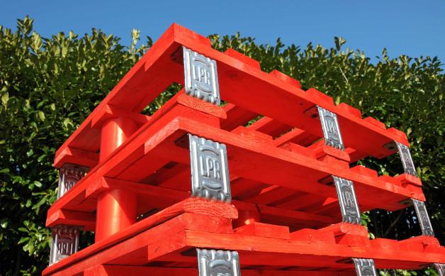 Continua la diffusione dei pallet rossi di LPR – La Palette Rouge